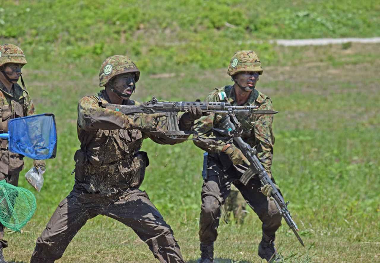 画像9: 自衛官候補生32人が戦闘訓練 青森駐屯地