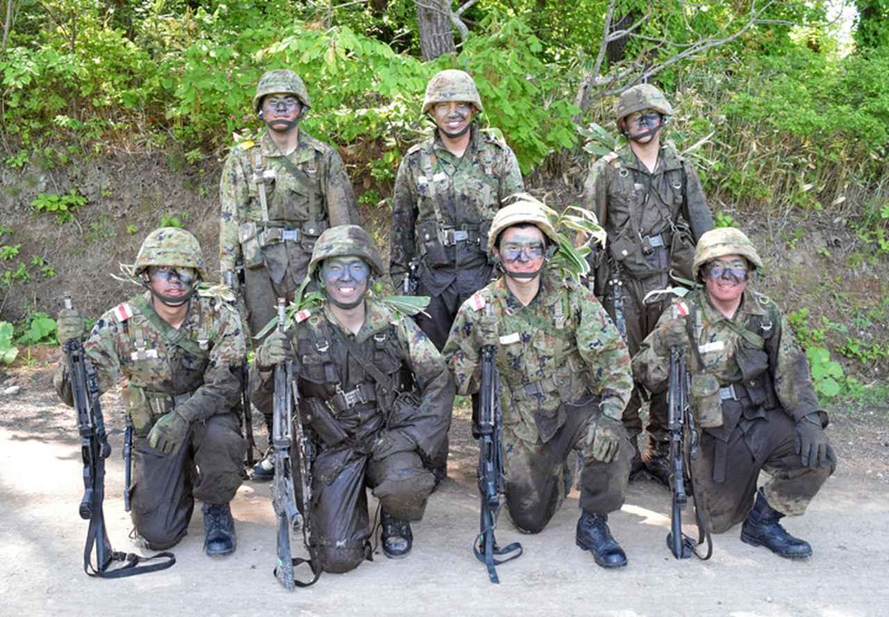 画像11: 自衛官候補生32人が戦闘訓練 青森駐屯地