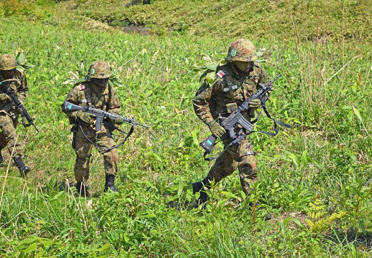 画像3: 自衛官候補生32人が戦闘訓練 青森駐屯地