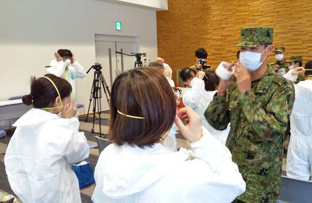 画像2: 自治体職員らに感染防止教育|金沢駐屯地