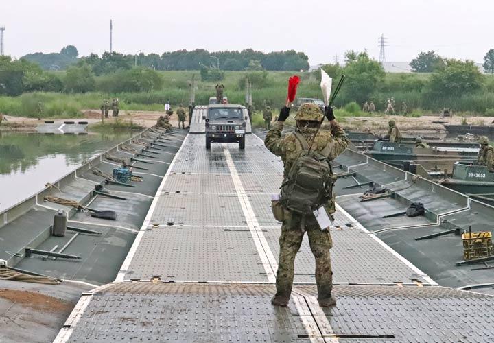 画像11: 中部方面施設科練度維持訓練に300人 大久保駐屯地