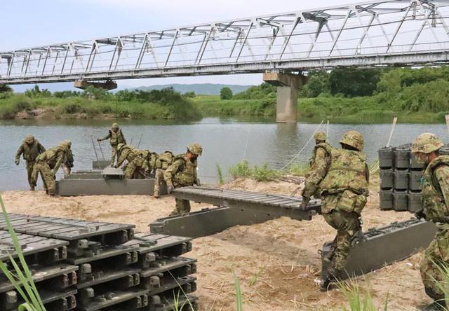 画像3: 中部方面施設科練度維持訓練に300人|大久保駐屯地