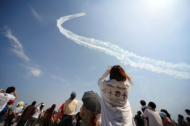画像: 管理人さんが選ぶ過去15年のベストショット第3位-2007年5月27日、美保基地航空祭にて ブルーインパルスファンネット様ご提供