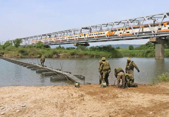 画像5: 中部方面施設科練度維持訓練に300人|大久保駐屯地