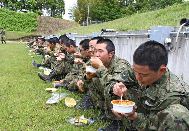 画像12: 自衛官候補生53人、新たな旅立ち|都城駐屯地