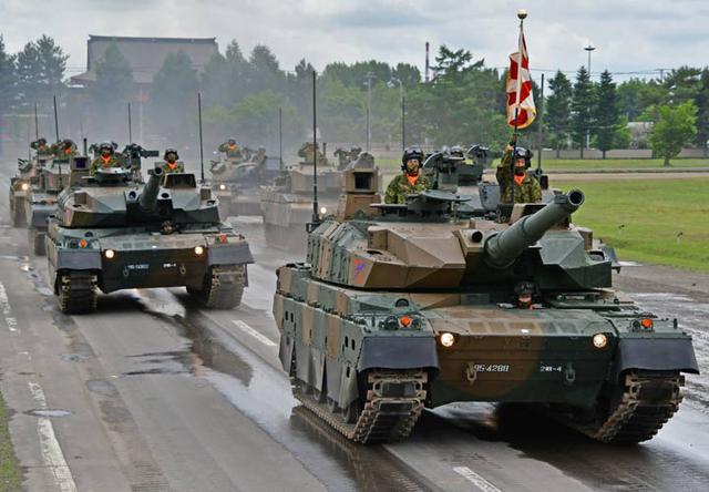 画像6: 創立記念式典 隊員1200人が観閲行進|陸自2師団