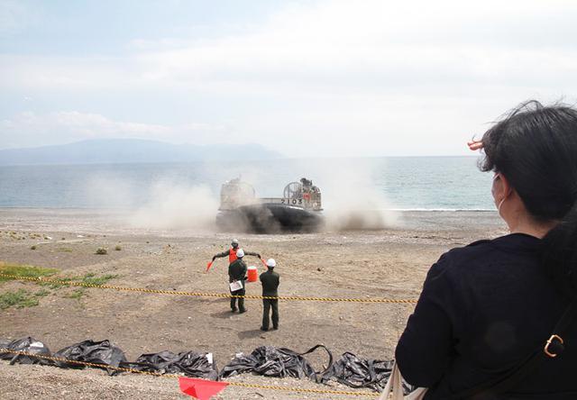 画像4: 沼津市で海自揚陸艇「LCAC」訓練|静岡地本