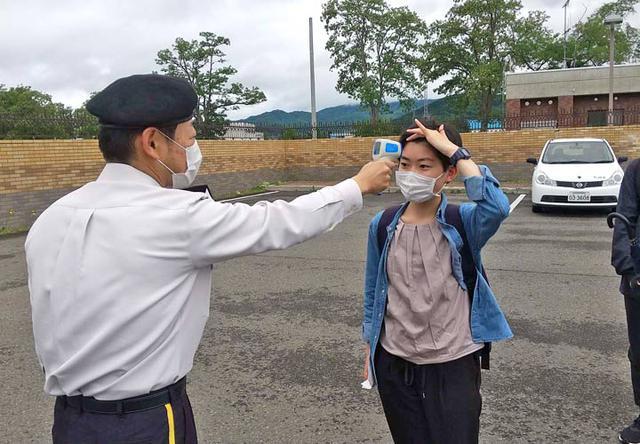 画像1: 大学生ら10人、陸自部隊を研修|札幌地本