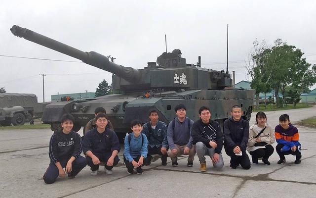 画像5: 大学生ら10人、陸自部隊を研修|札幌地本