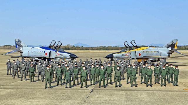 画像5: 今年度運用終えるF4戦闘機を特別塗装|空自百里基地