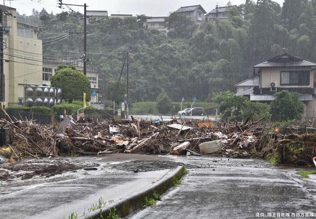 画像1: 写真で見る「令和2年7月豪雨」災害派遣|陸自西部方面隊