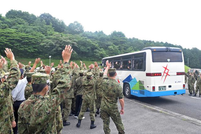 画像11: 一般陸曹候補生課程97人が修了式|えびの駐屯地