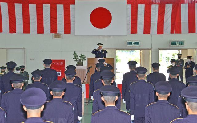 画像1: 一般陸曹候補生課程97人が修了式|えびの駐屯地