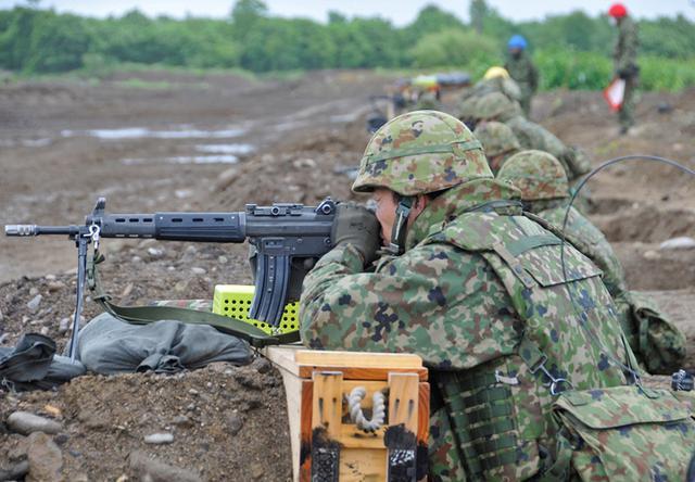 画像4: 即応予備自が射撃野営訓練 真駒内駐屯地