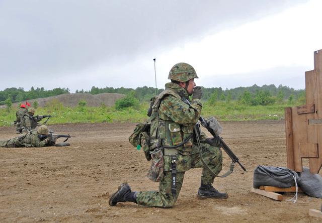 画像3: 即応予備自が射撃野営訓練 真駒内駐屯地