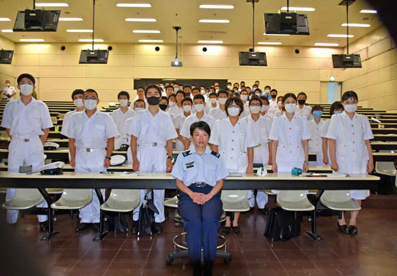 画像2: OG医官が1年生に講演、不安軽減図る 防衛医科大学校