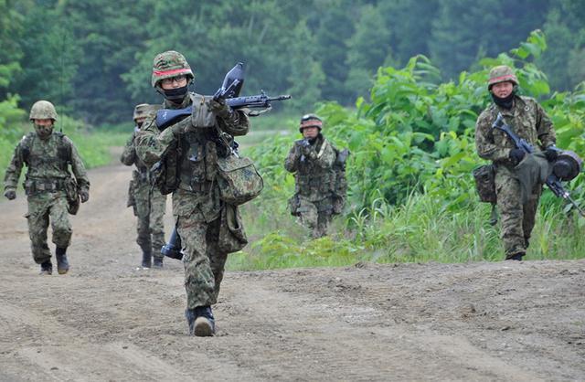 画像2: 52普連、初の戦車との共同訓練|真駒内駐屯地