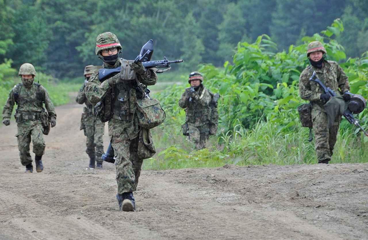 画像2: 52普連、初の戦車との共同訓練 真駒内駐屯地