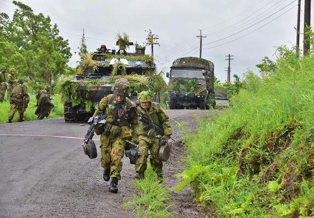 画像2: 「真に戦える部隊を創造」総合戦闘力演習|陸自4師団