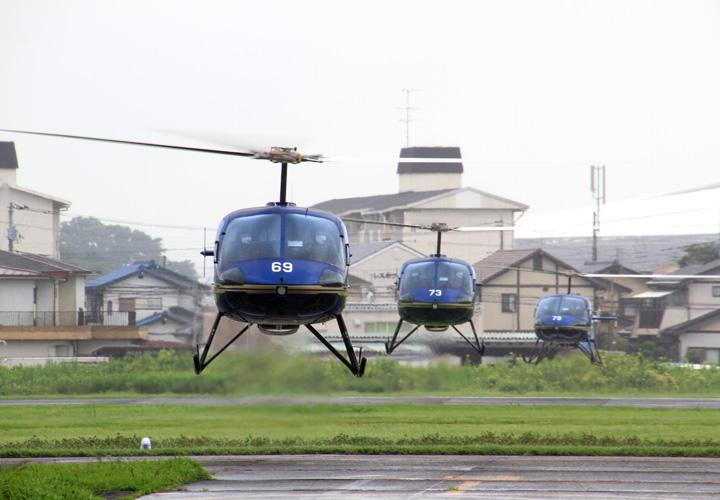 画像1: 陸曹航空操縦課程 19人が卒業 陸自航空学校宇都宮校