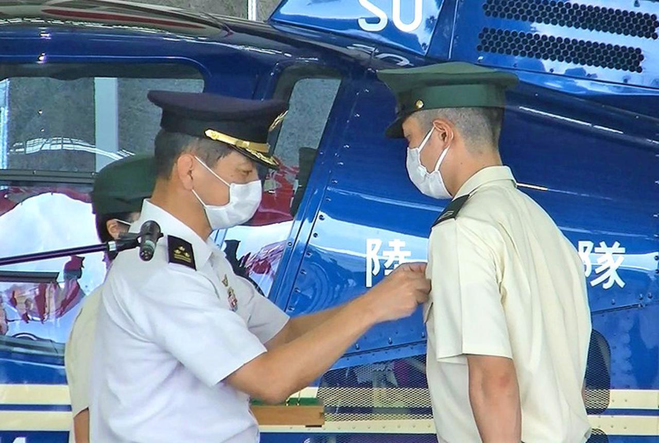 画像2: 陸曹航空操縦課程 19人が卒業 陸自航空学校宇都宮校