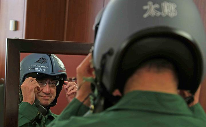 画像4: 河野大臣がF2戦闘機のG体感 空自百里基地