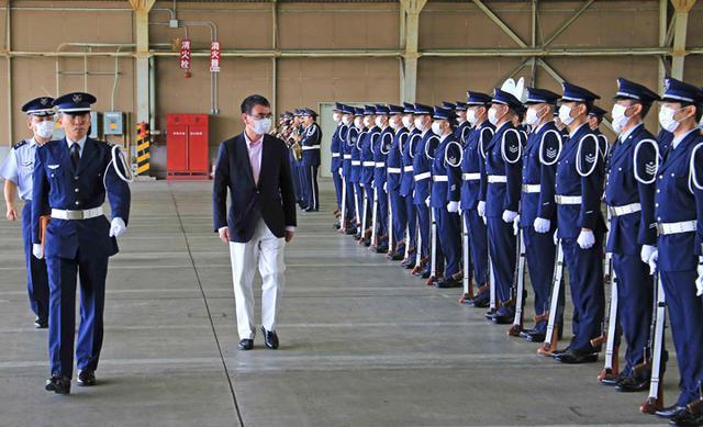 画像2: 河野大臣がF2戦闘機のG体感|空自百里基地