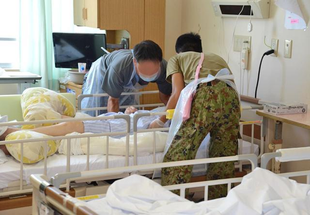 画像10: 新型コロナ災派、県内医療機関を支援|陸自15旅団