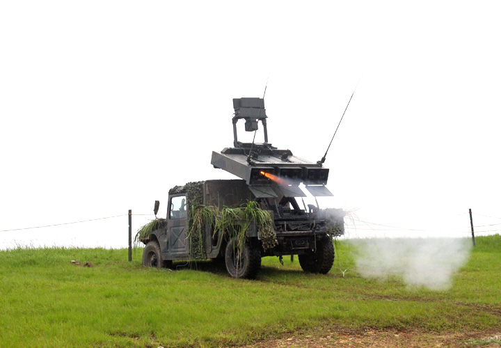 画像: 佐多射場で洋上目標を射撃する対戦車小隊の中距離多目的誘導弾