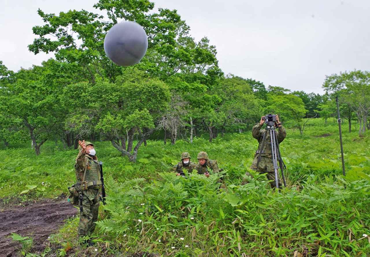 画像2: 射撃訓練の場を活用し築城訓練|仙台駐屯地