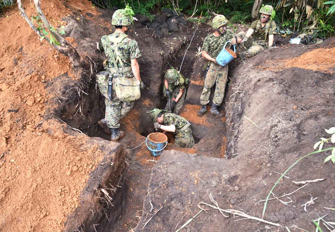 画像5: 「No Easy Day」掲げ、防大3学年が部隊実習|高田駐屯地