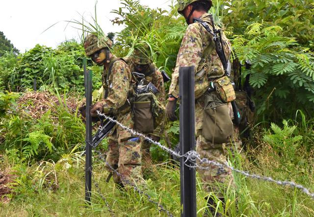 画像4: 「No Easy Day」掲げ、防大3学年が部隊実習|高田駐屯地