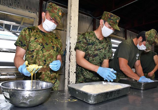 画像3: 「No Easy Day」掲げ、防大3学年が部隊実習|高田駐屯地