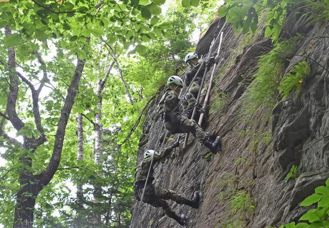 画像2: レンジャー教育で山地潜入訓練|美幌駐屯地