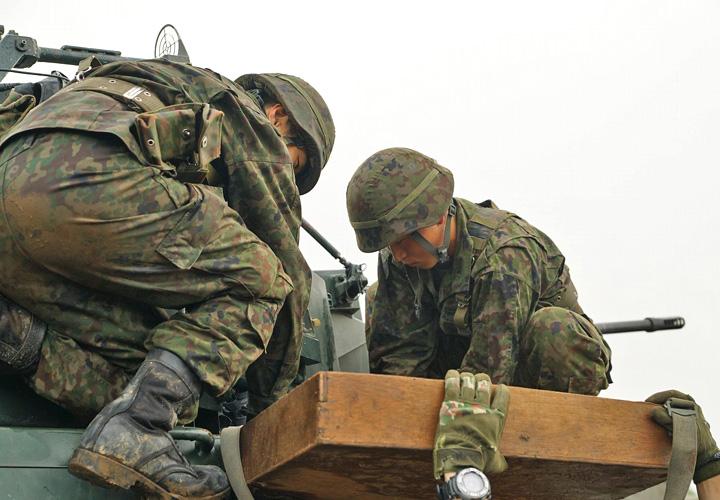 画像10: 偵察警戒車の射撃能力向上図る 陸自7師団