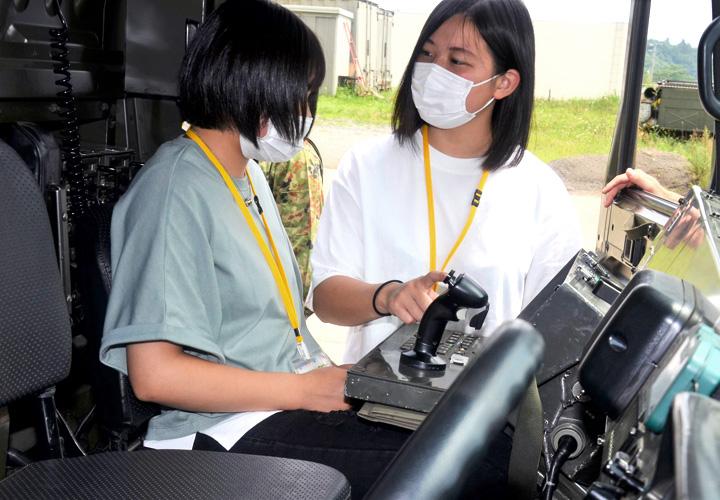 画像2: 女子バスツアー研修を支援|岩手駐屯地