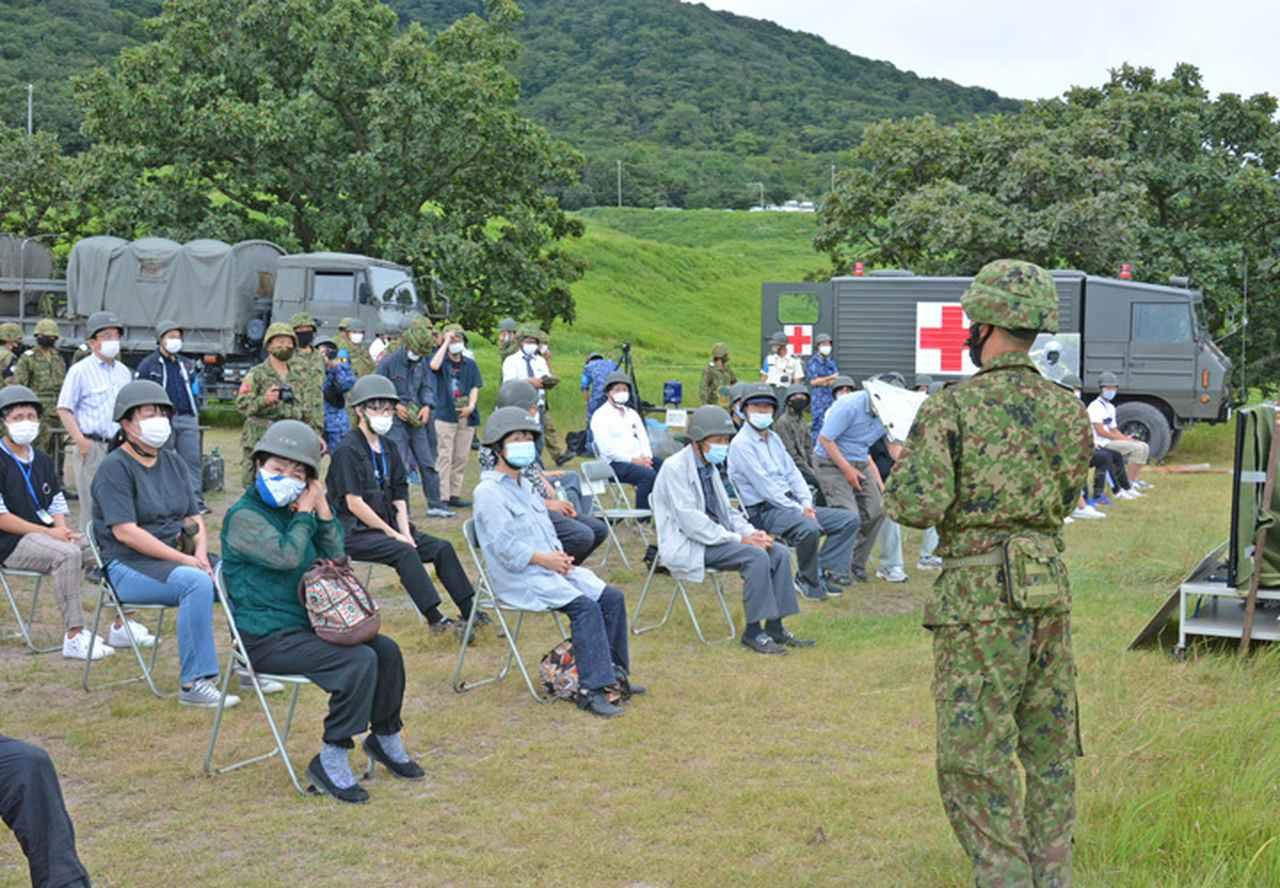 画像1: 防衛モニターら対象に戦車射撃見学会|玖珠駐屯地