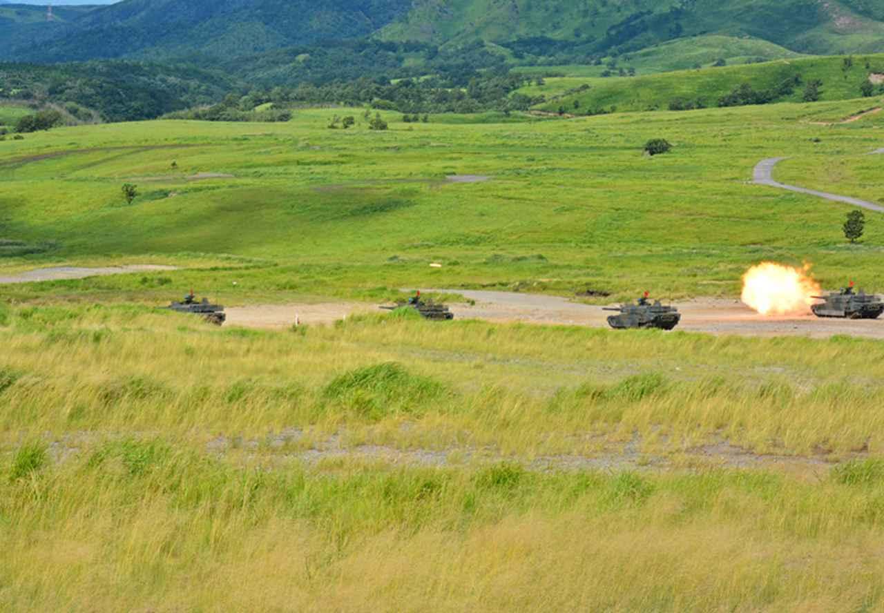 画像3: 防衛モニターら対象に戦車射撃見学会|玖珠駐屯地