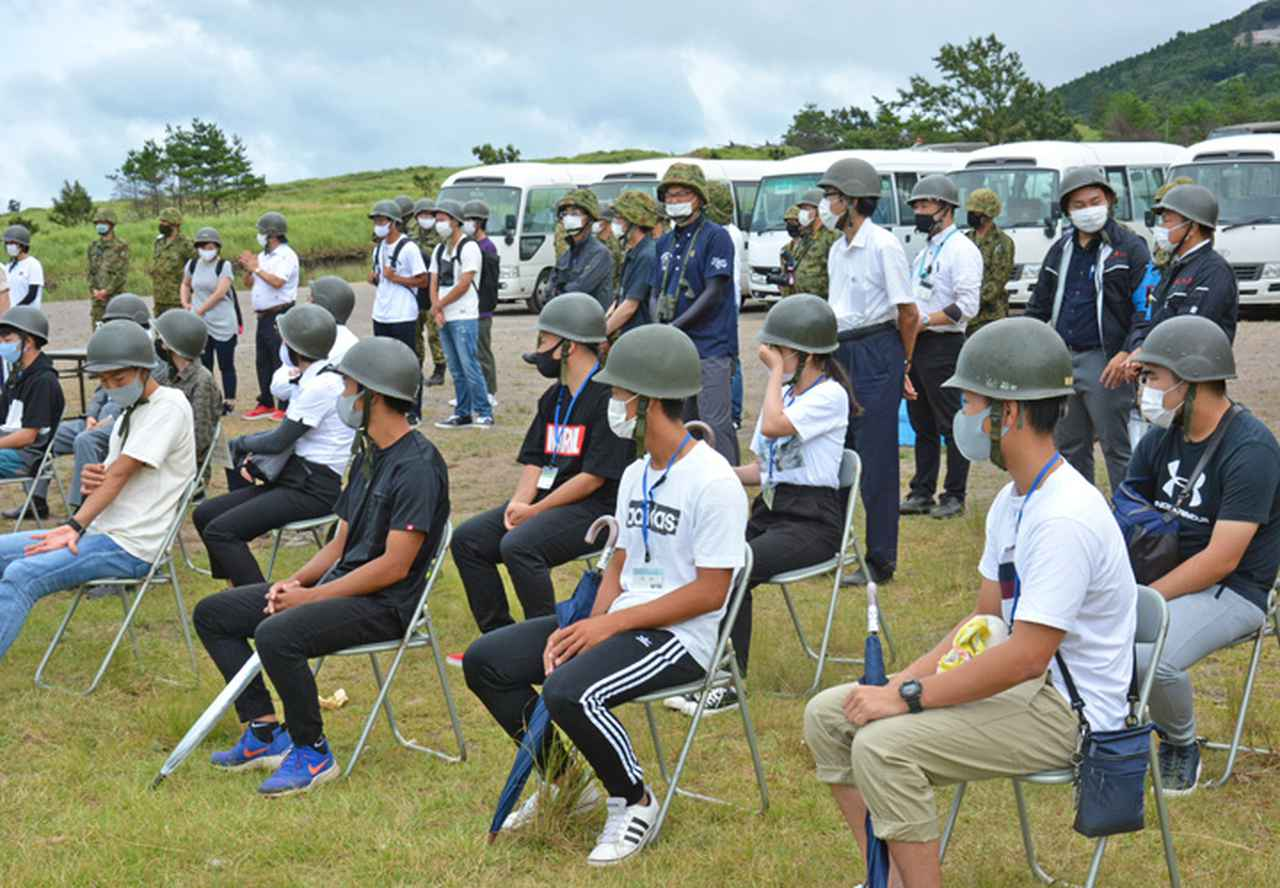 画像2: 防衛モニターら対象に戦車射撃見学会|玖珠駐屯地