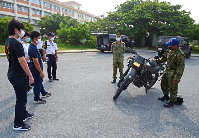 画像5: 陸自西方部隊とともに募集広報|沖縄地本