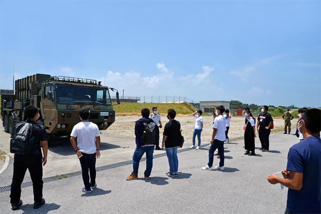 画像1: 陸自西方部隊とともに募集広報|沖縄地本