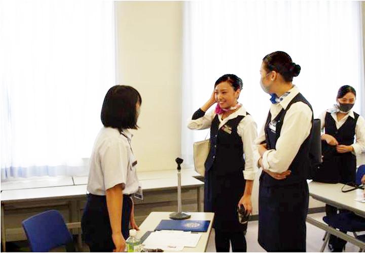 画像5: 自衛隊の空中輸送員の仕事説明 石川地本
