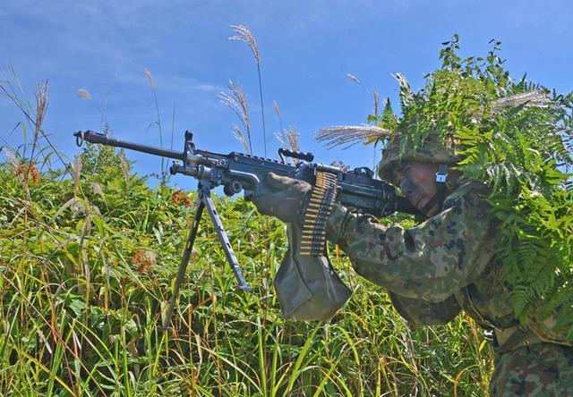 画像6: 新隊員総合訓練 女性隊員が砲迫で射撃支援|名寄駐屯地