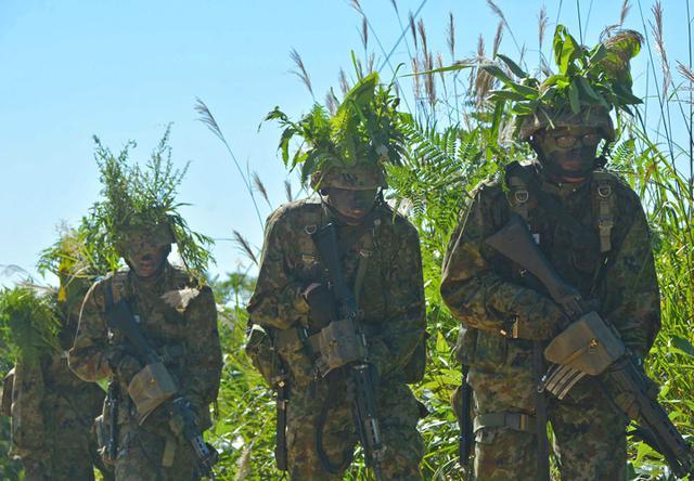 画像2: 新隊員総合訓練 女性隊員が砲迫で射撃支援|名寄駐屯地