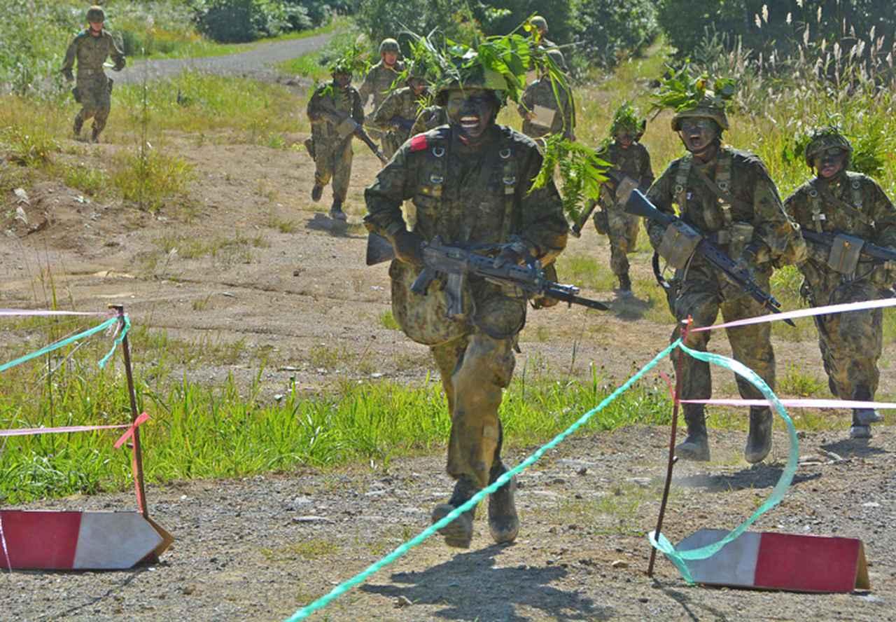 画像8: 新隊員総合訓練 女性隊員が砲迫で射撃支援 名寄駐屯地
