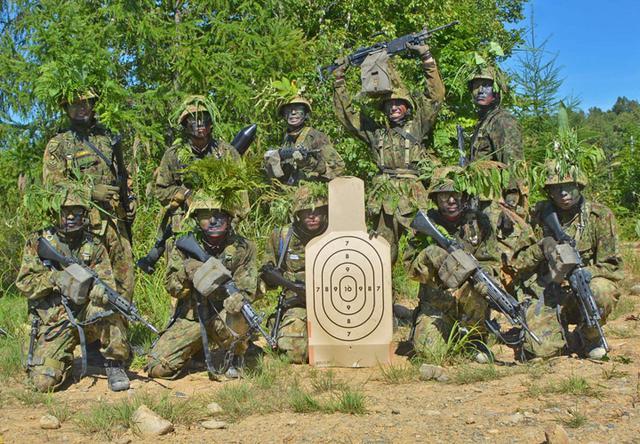 画像9: 新隊員総合訓練 女性隊員が砲迫で射撃支援|名寄駐屯地