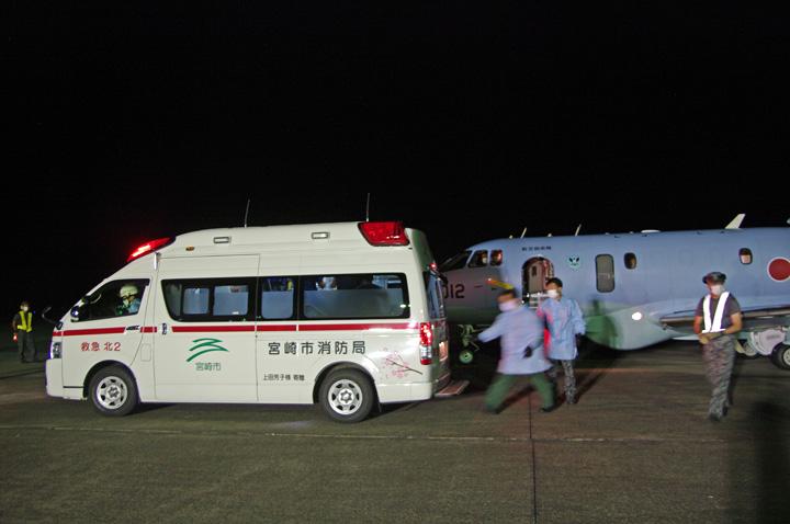 画像2: 災派要請 心疾患の新生児を緊急空輸|空自新田原基地