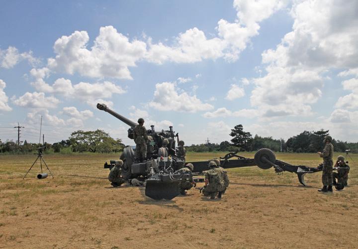 画像6: 入隊予定者ら新隊員の野戦特科訓練を見学 岡山地本