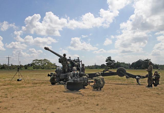 画像6: 入隊予定者ら新隊員の野戦特科訓練を見学|岡山地本