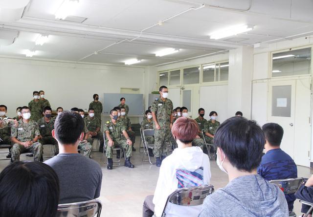 画像3: 入隊予定者ら新隊員の野戦特科訓練を見学|岡山地本